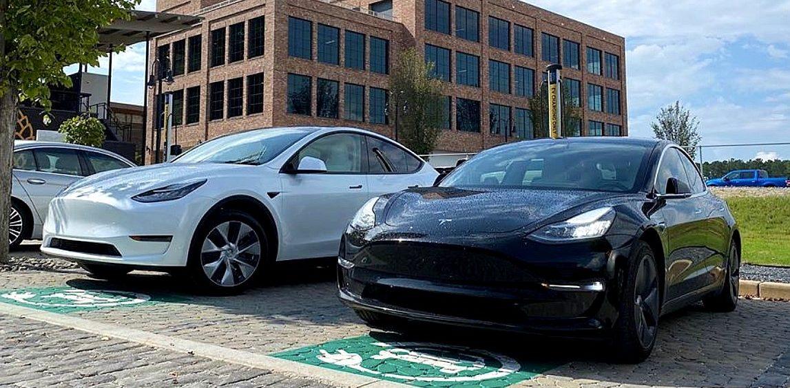 Tesla Model 3 возглавила мировые чарты, Model Y обогнала ID.3 в рейтинге электромобилей за октябрь