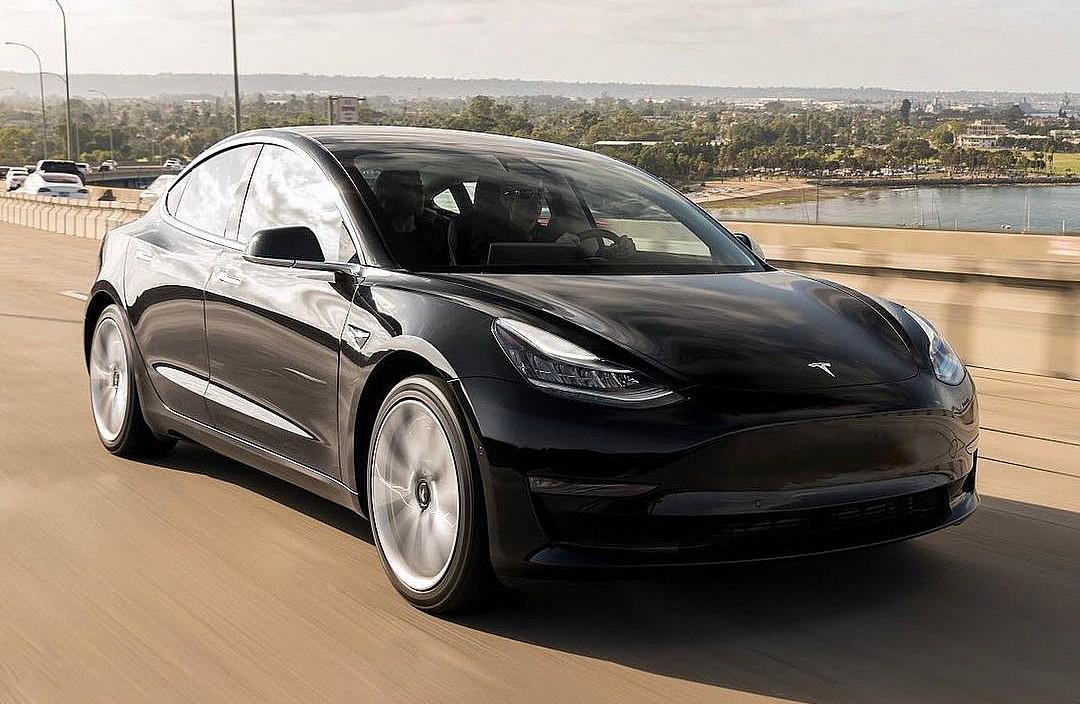 Феноменальный рост Tesla изображен на захватывающей графике с данными