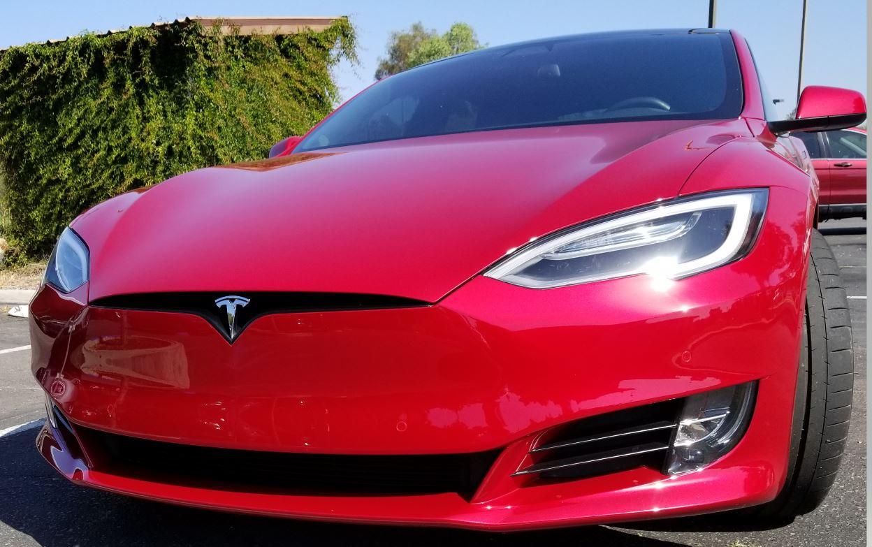 S&P сообщает, что Tesla будет добавлена при полной скорректированной рыночной капитализации
