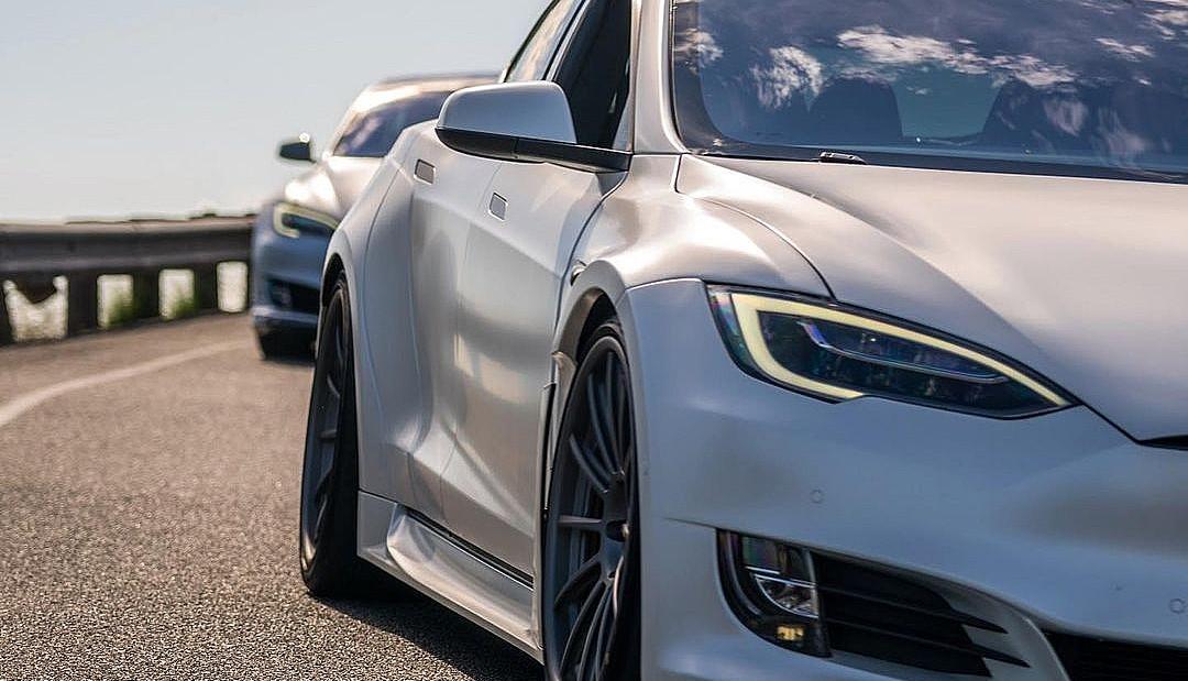 Tesla (TSLA) еще больше увеличивает свои денежные средства за счет продажи акций на 5 млрд долларов в преддверии включения в S&P 500