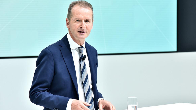 VW продлил контракт с Diess после ссоры из-за перехода на электромобиль