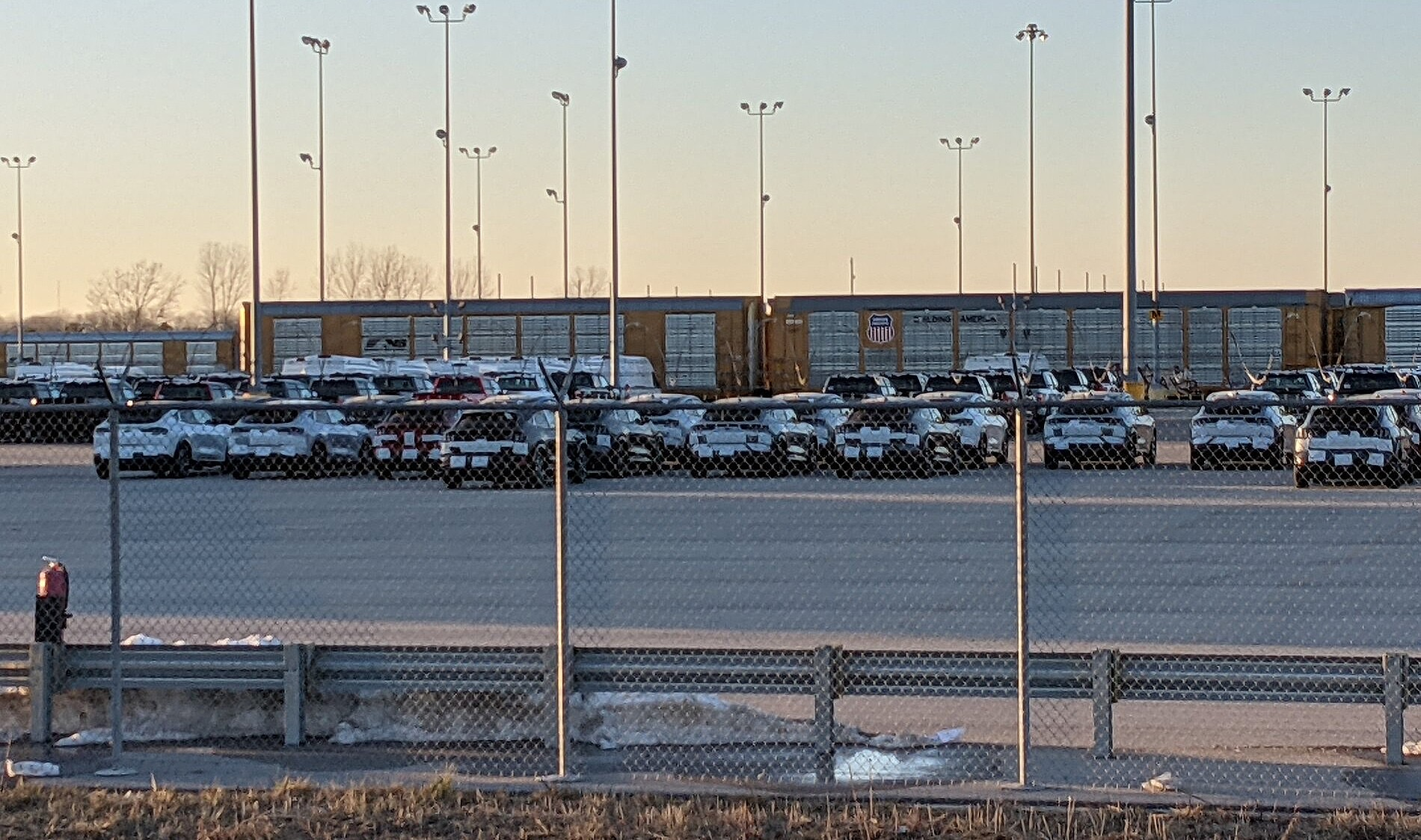 Отгрузка Ford Mustang Mach-E была замечена в Канзас-Сити на пути к дилерам