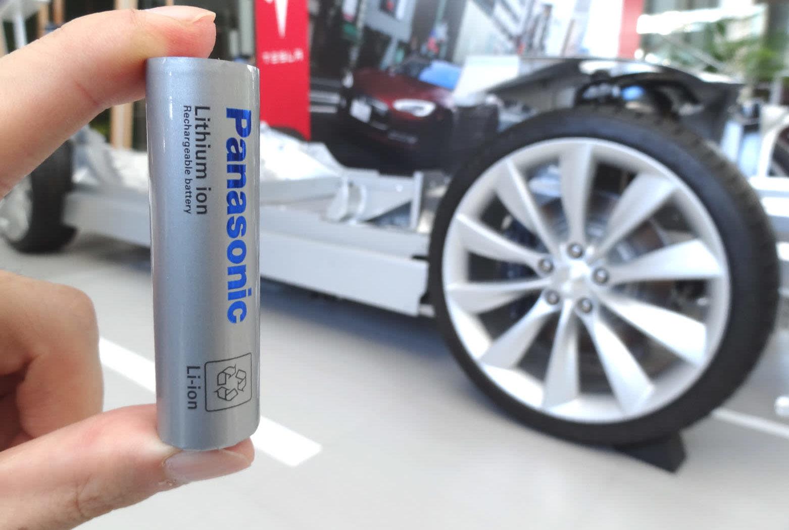 Поставщик аккумуляторов Tesla Panasonic хочет использовать элементы, не содержащие кобальт, через 2-3 года