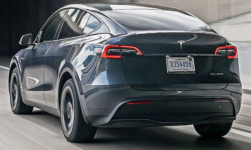 Tesla Model Y официально начинает поставки клиентам в Китае