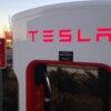 Tesla обсудит запуск электромобиля в Пакистане с премьер-министром страны