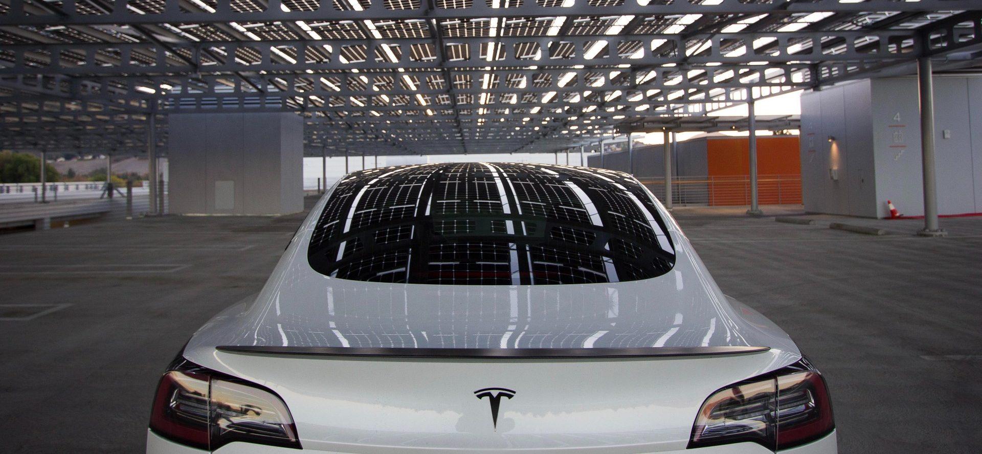 Tesla приземляется в Израиле с лицензией на импорт, продажи начнутся в течение нескольких дней