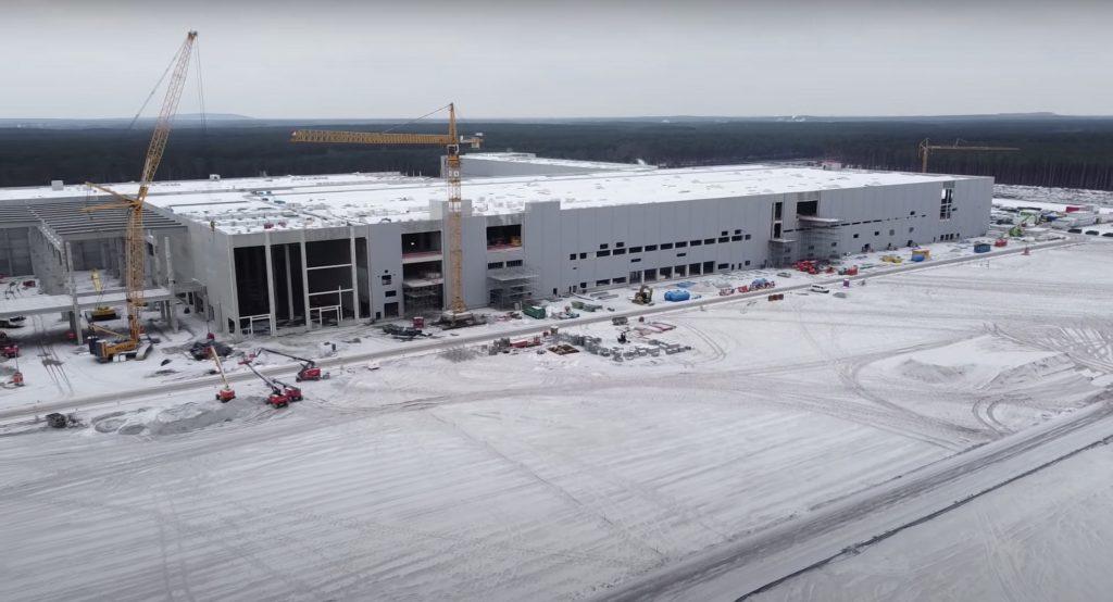 Tesla вносит гарантийный залог в размере 100 млн евро в ожидании получения разрешения Gigafactory Berlin.