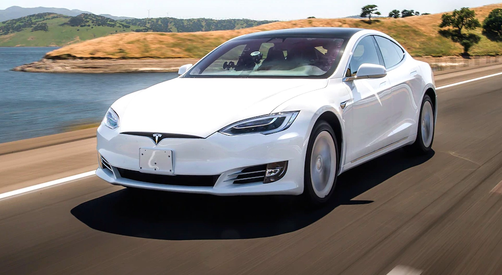 Tesla заняла первое место в первом исследовании JD Power о владении электромобилем