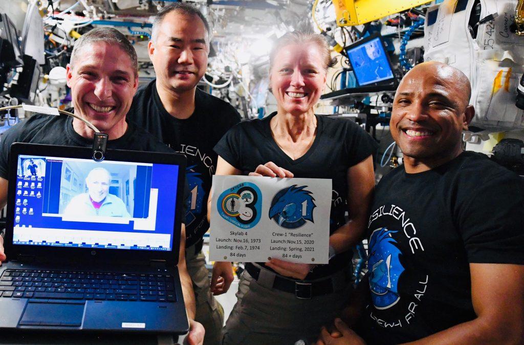 Crew Dragon от SpaceX стал самым долгоживущим космическим кораблем астронавтов Америки