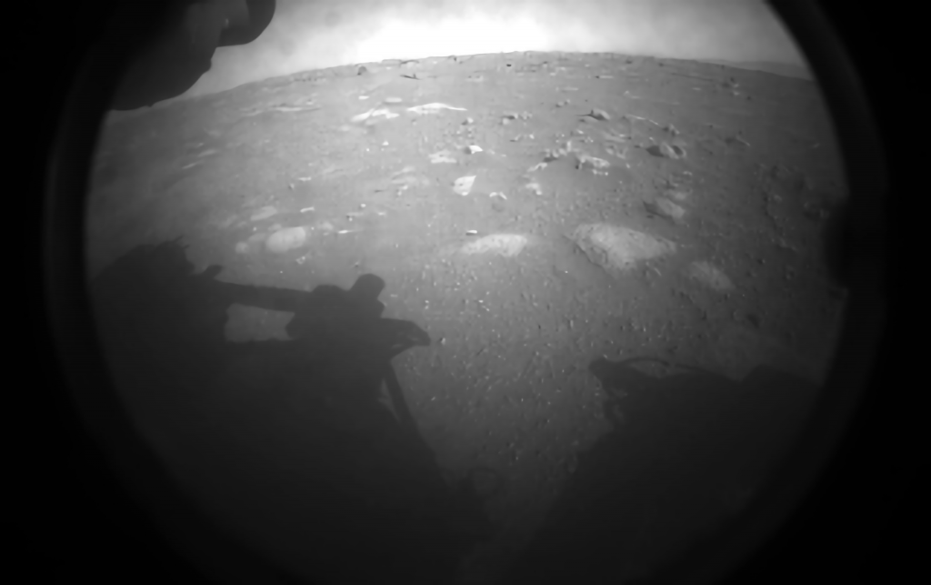 Астронавты NASA Crew-1 SpaceX празднуют посадку марсохода на околоземную орбиту