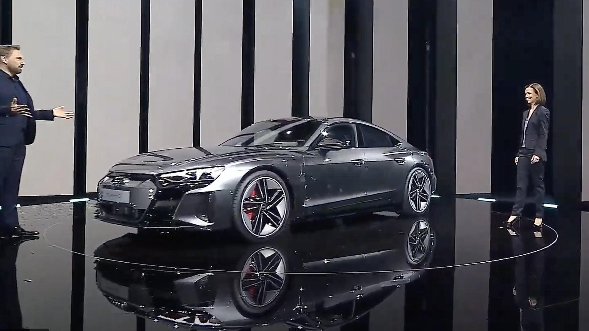 Audi представляет e-tron GT: запас хода 293 мили, максимальная скорость 155 миль в час, 590 л.с., стартовая цена 99 900 долларов
