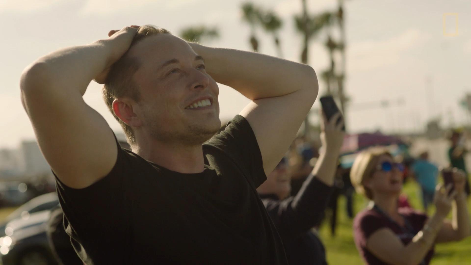 Илон Маск объявляет, что пишет книгу о Tesla и SpaceX