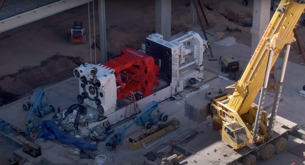 Первая Giga Press от Tesla Gigafactory в Техасе развивается невероятными темпами