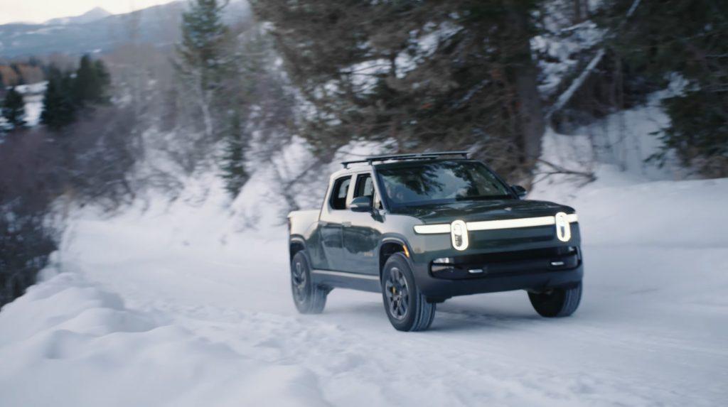 Rivian R1T проходит зимние испытания, как намекает генеральный директор Drift Mode