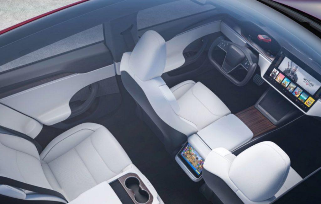 Смелая система рулевого управления Tesla разрешена на дорогах Великобритании, подтверждают регулирующие органы.