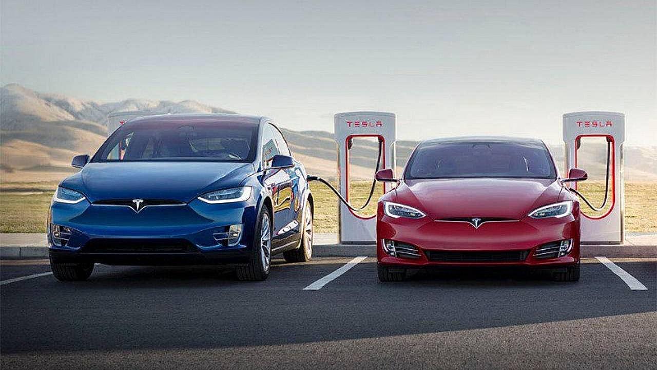 Tesla China отзывает автомобили Model S и X из-за проблем с сенсорным экраном
