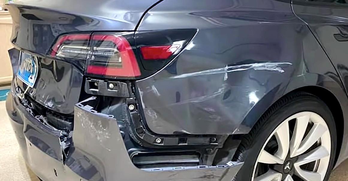 Tesla Model 3 отстранилась от аварии и отвезла водителя домой после аварии сзади на скорости 65 миль в час