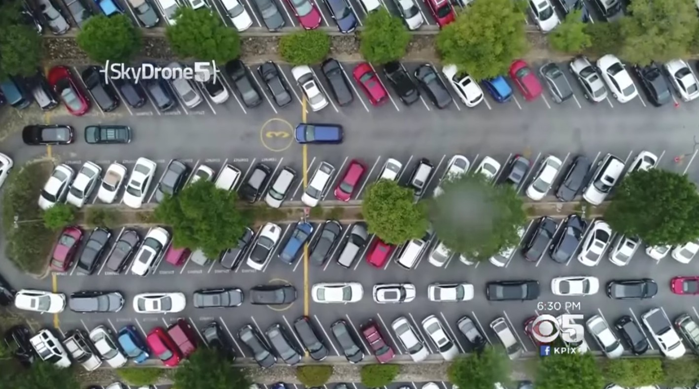 Tesla платит своим сотрудникам штаб-квартиры в Пало-Альто, которые ездят на велосипедах по поводу парковок
