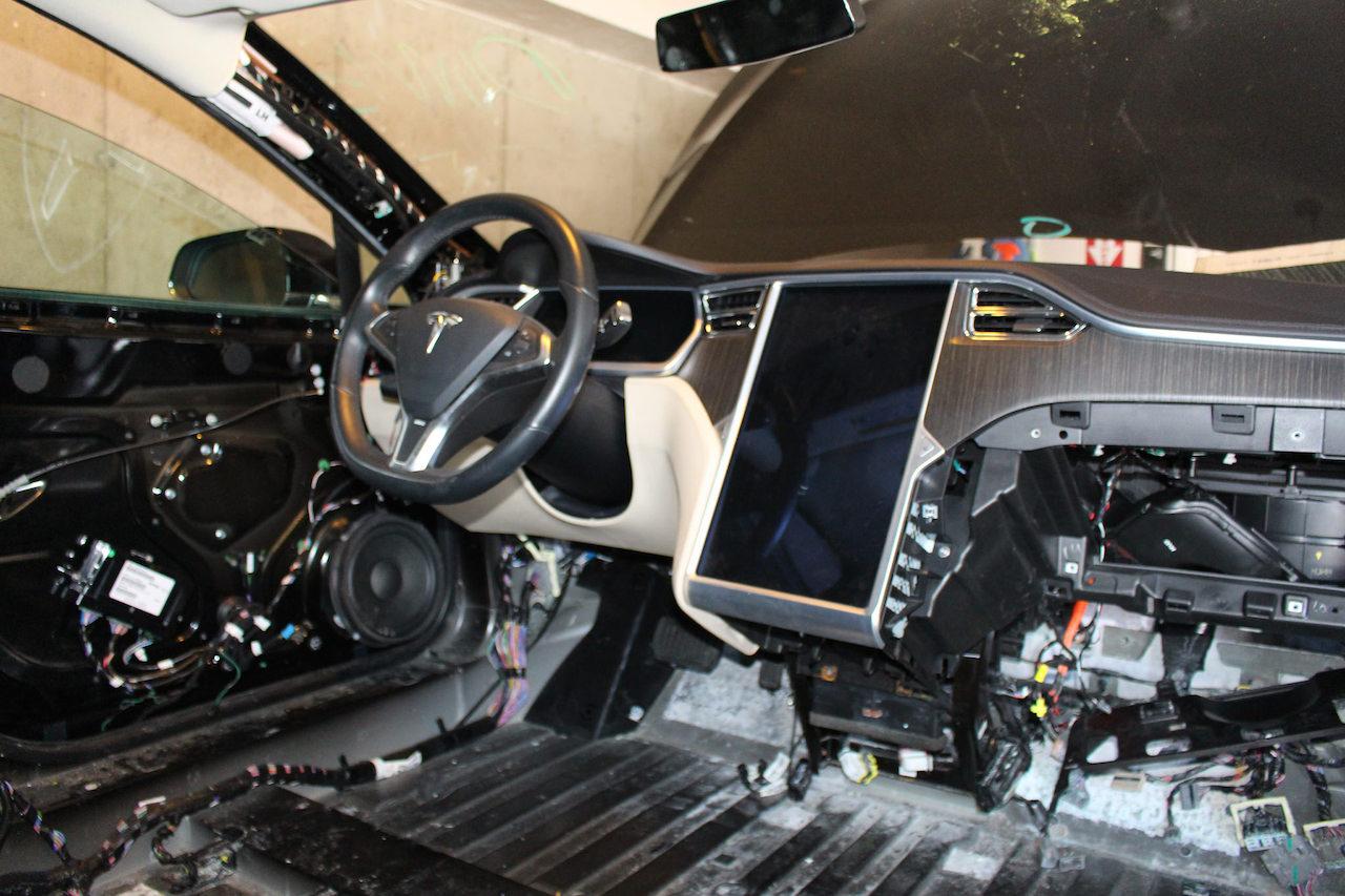 Tesla соглашается отозвать 134 951 автомобиль Model S и X по запросу NHTSA