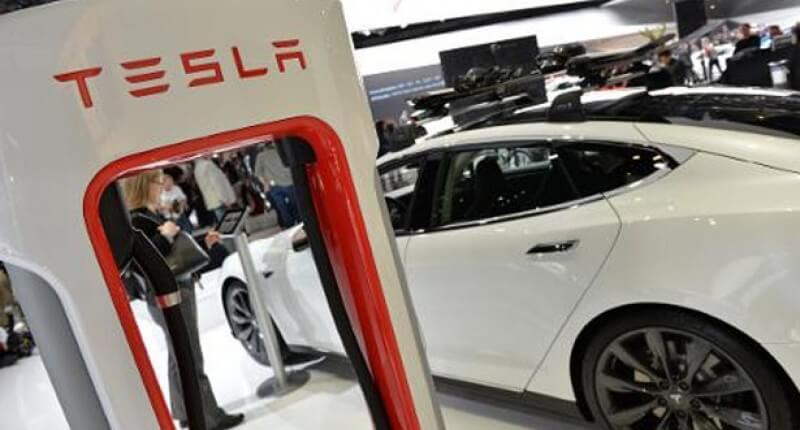 Tesla подверглась кибербезопасной атаке, 222 камеры проникли в группу хакеров