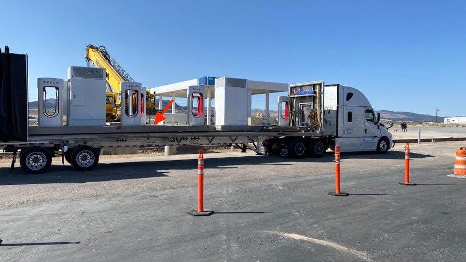 Tesla выпускает умную сборную модель Supercharger для более быстрой установки