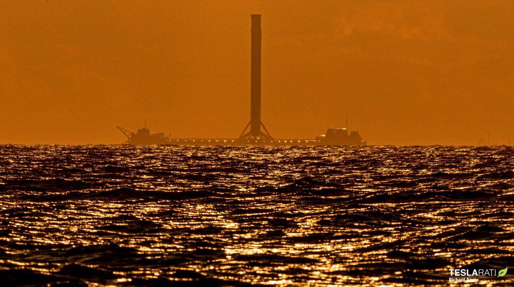 "Корабль-дрон SpaceX ""Конечно, я все еще люблю тебя"" прибыл на Панамский канал"