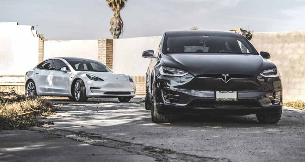 Tesla Model 3 и Model X - самые популярные электромобили в Google во всем мире