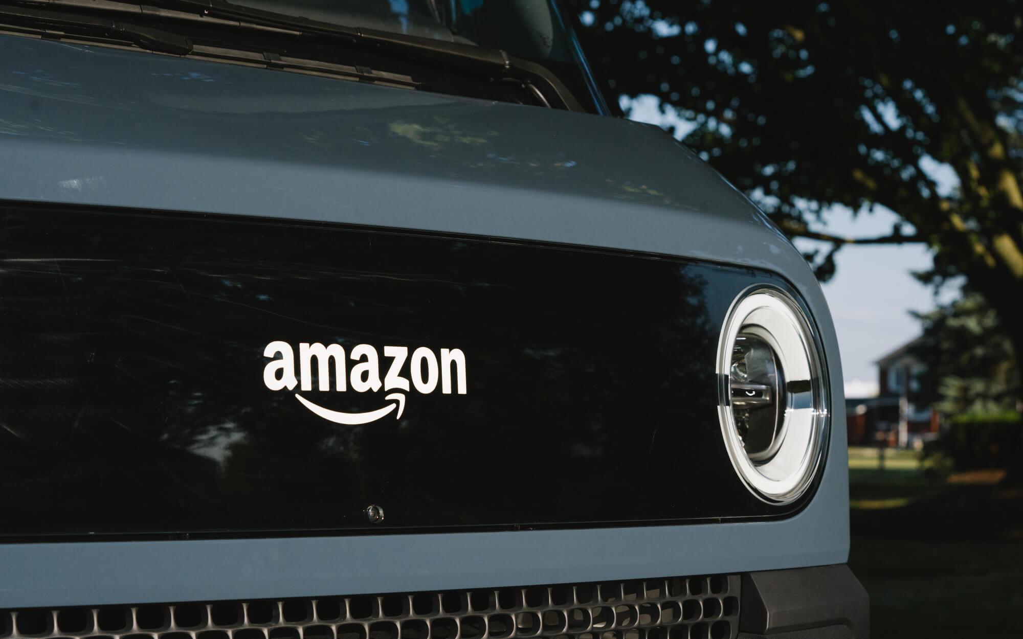 Фургон Amazon Rivian начинает доставлять посылки в свой третий город США