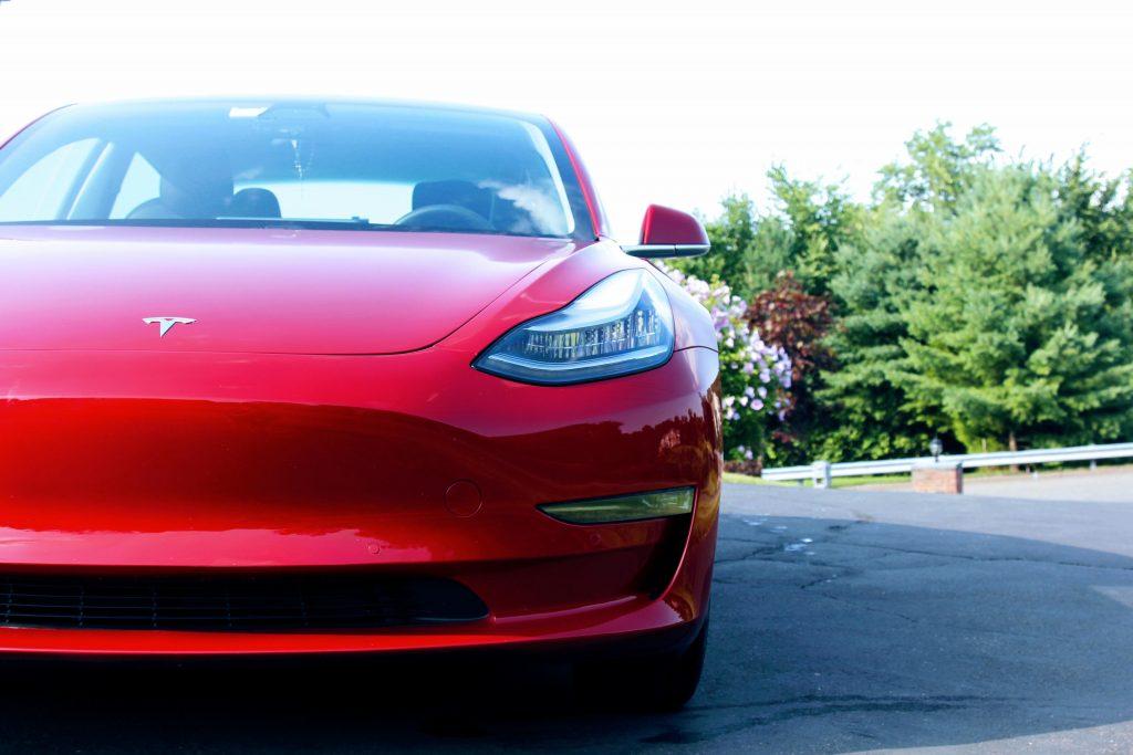 Tesla Model 3 легко заработала звание самого продаваемого электромобиля в первом квартале 2021 года