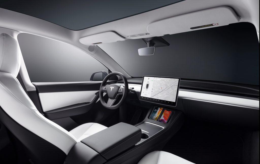 Бета-версия Tesla FSD выйдет летом в ЕС, поскольку Великобритания разрешает беспилотные автомобили на автомагистралях