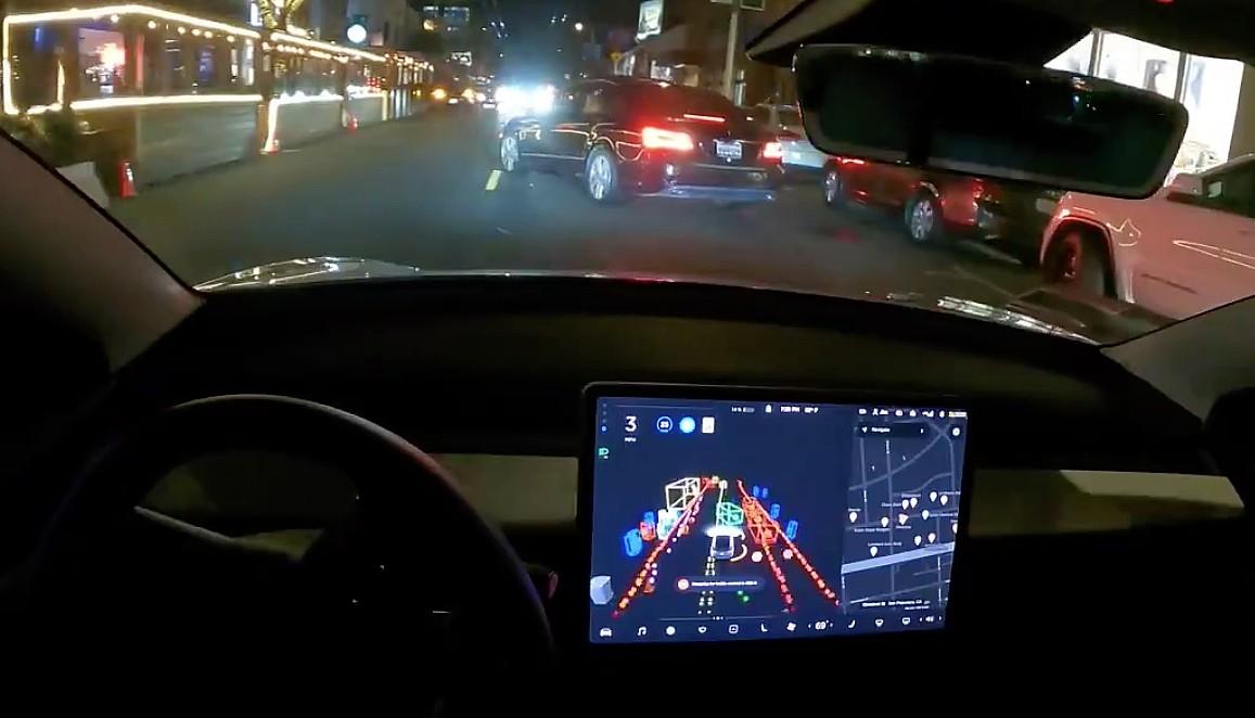 Новая, «умопомрачительная» бета-версия полной самоуправляемой версии Tesla через две недели после релиза