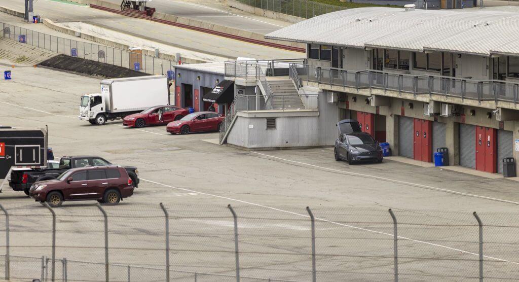 Семейство автомобилей Tesla замечено в Laguna Seca при попытке потенциальной попытки Model S Plaid