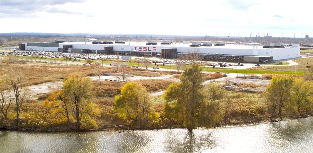 Tesla Gigafactory New York получает новое расширение для своих целей по трудоустройству