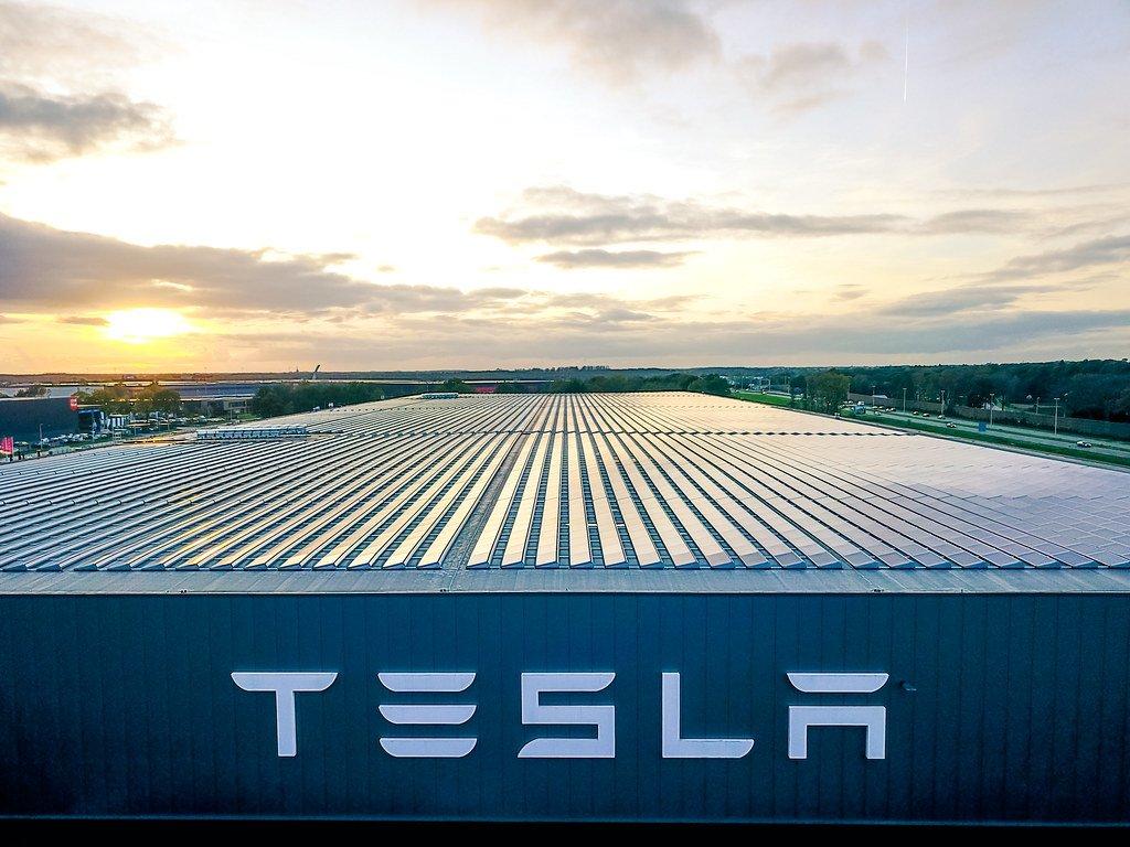 Tesla объявила о рекордной квартальной прибыли - Tesla Motors Club