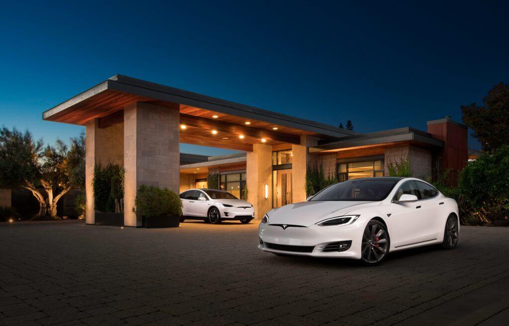 Tesla получила три награды за лояльность к бренду, что свидетельствует о растущем влиянии производителя электромобилей
