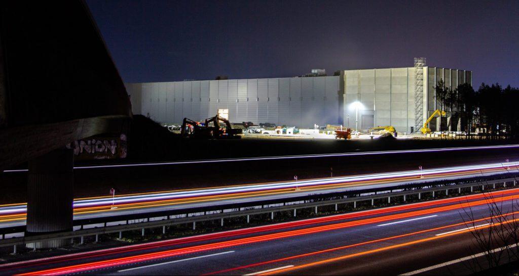 Tesla призывает изменить процедуру утверждения заводов в Германии