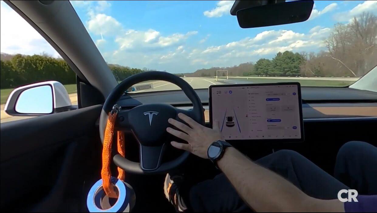Трюк Tesla с автопилотом Consumer Reports пересек черту в уже нагретом климате электромобилей