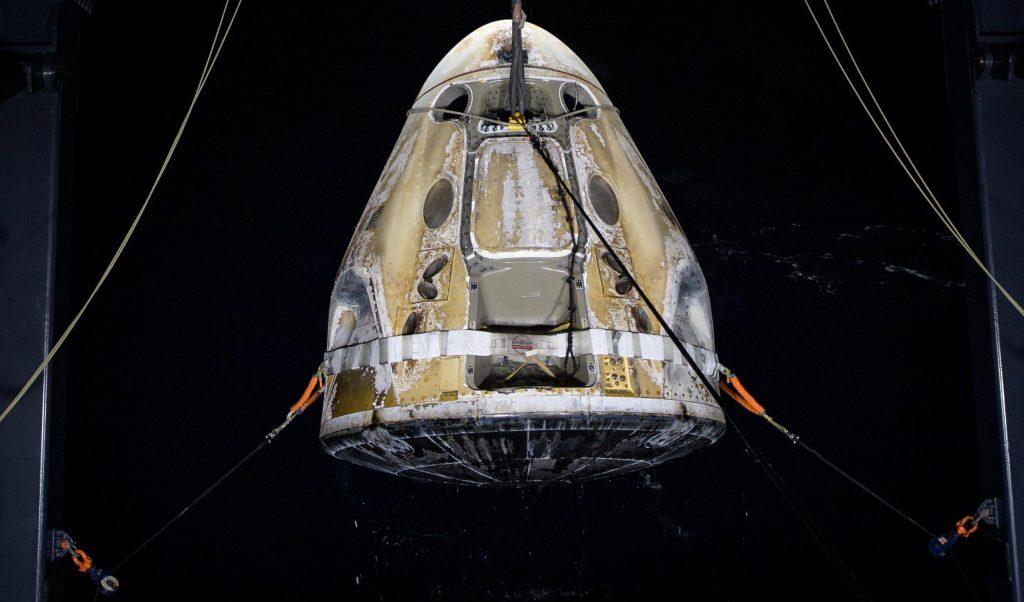 SpaceX Dragon доставил домой четырех астронавтов после рекордного полета