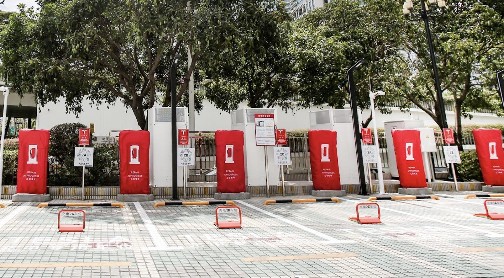 Tesla устанавливает свои первые китайские нагнетатели V3