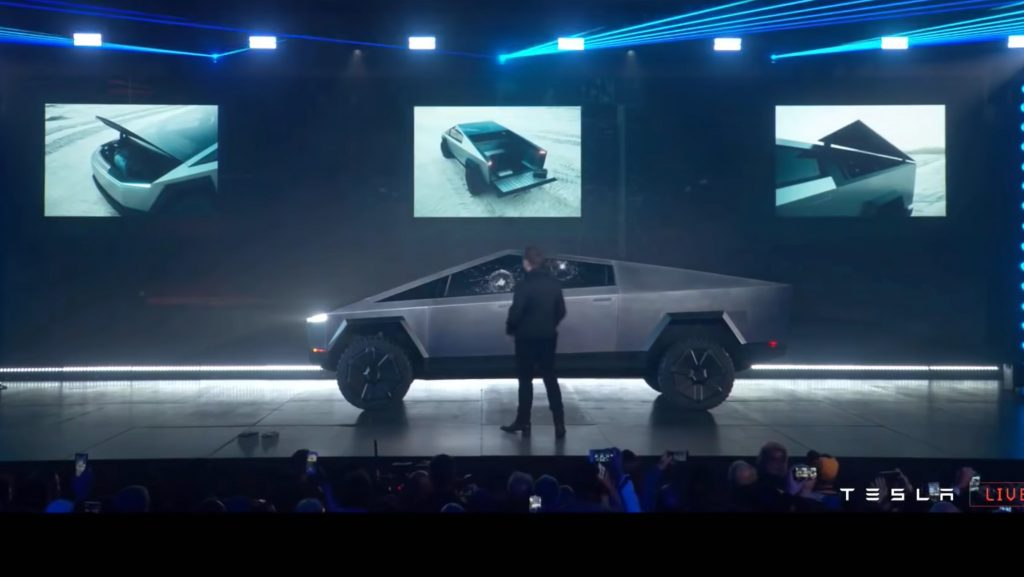 Топ-3 (случайных) PR-кампаний Tesla, бросающих вызов рекламной логике