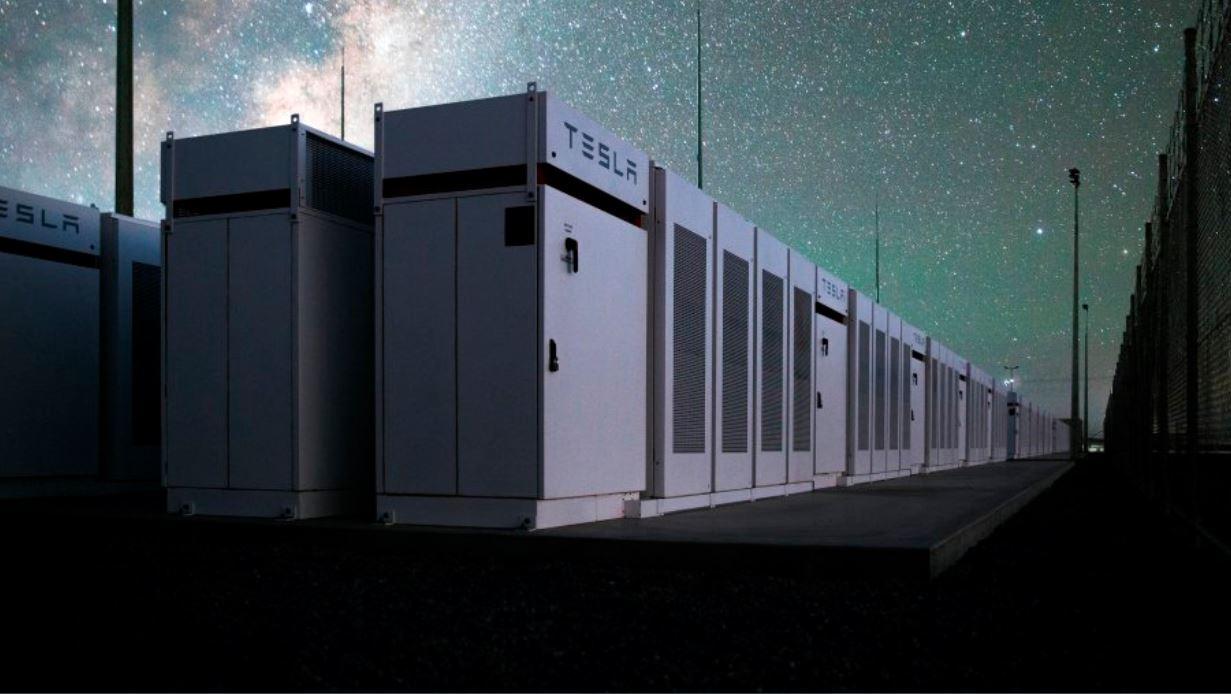 Аккумулятор Tesla Powerpack вмешался после взрыва угольной электростанции в Австралии