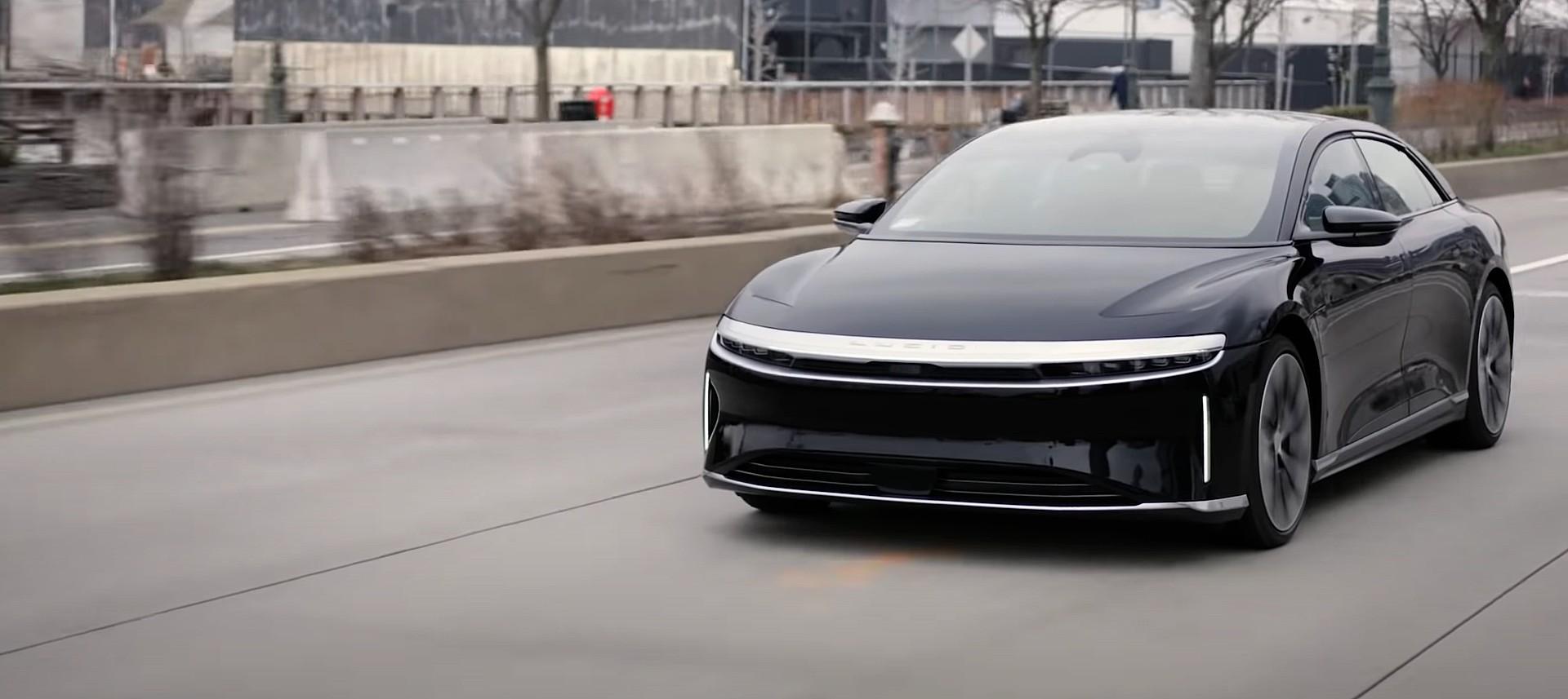 Генеральный директор Lucid Motors прогнозирует «значительный рост» в 2022 году, но не собирается достигать цели в 20 000 электромобилей.