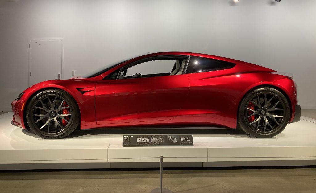 Илон Маск подтвердил, что новый Tesla Roadster разгоняется до 100 км / ч за 1,1 секунды