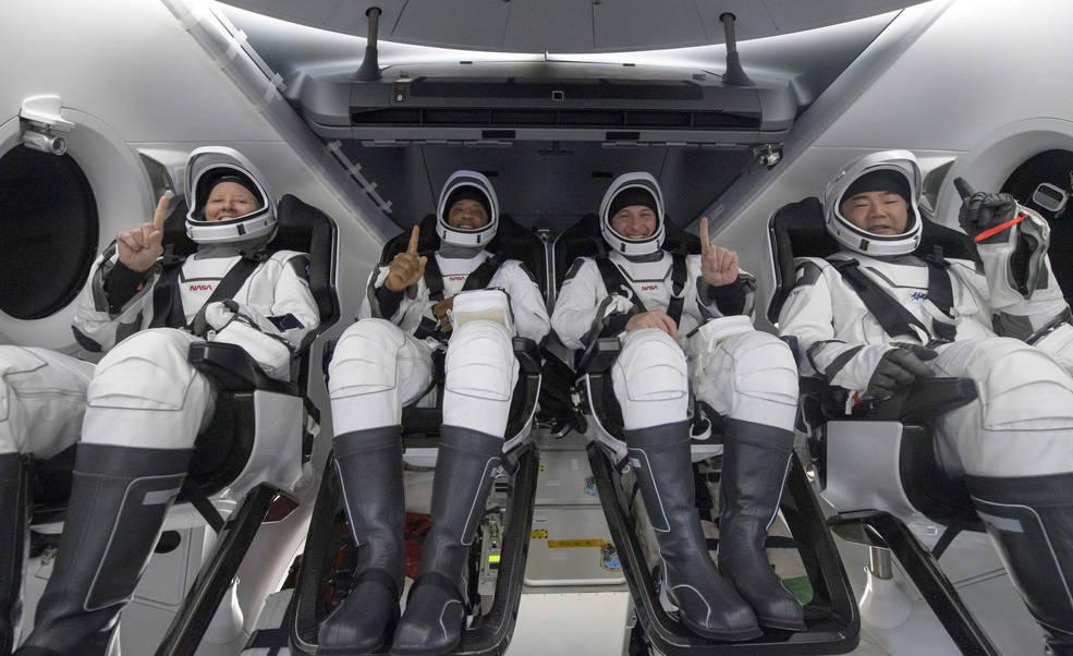 SpaceX Crew Dragon завершил безопасное падение - Tesla Motors Club