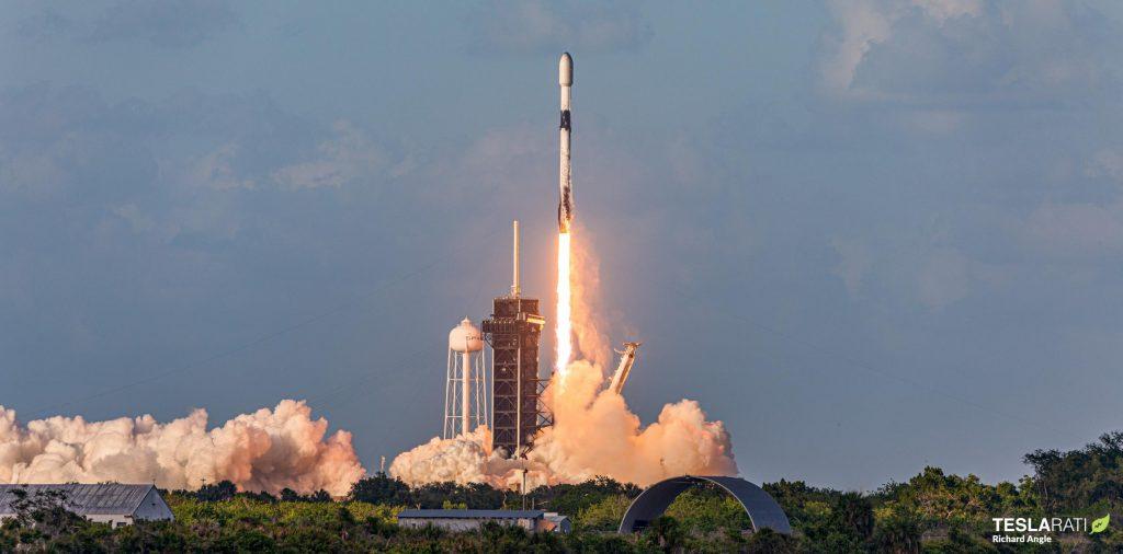 SpaceX готовится запустить восемь ракет Falcon 9 за шесть недель