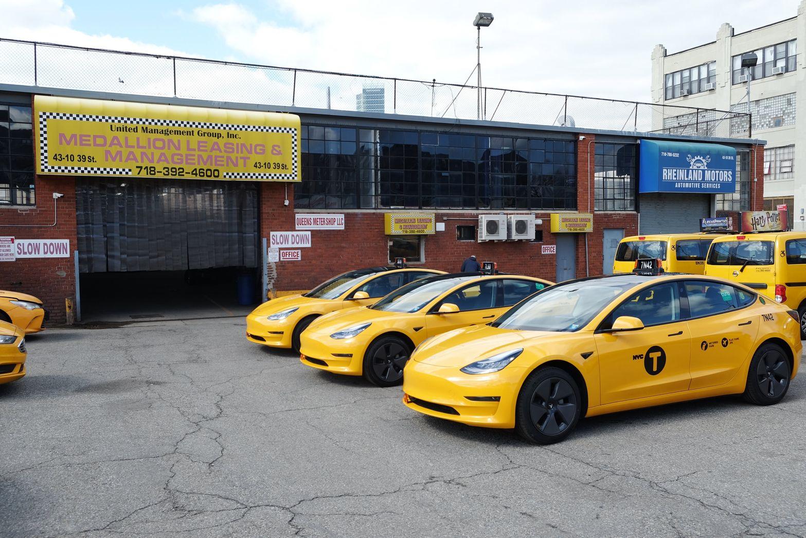 Такси Tesla Model 3 одобрили в Нью-Йорке больше электрических желтых кабин