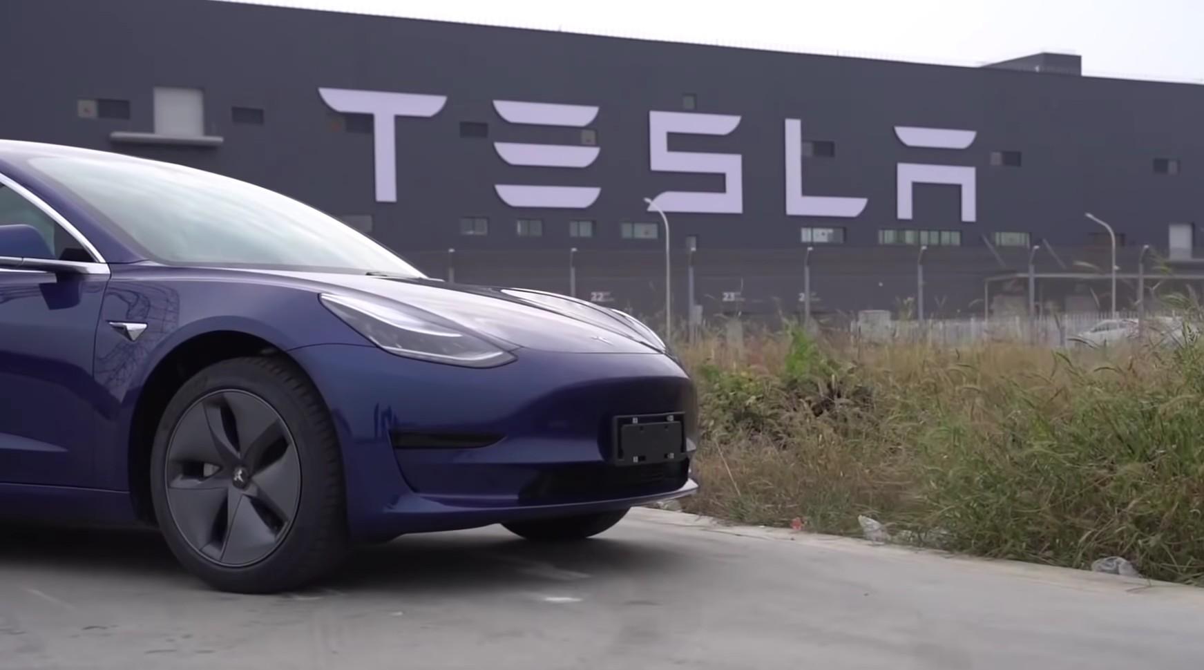 Tesla China будет хранить данные о транспортных средствах локально, предоставляя водителям доступ к ним