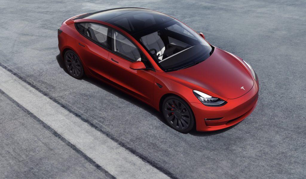 Tesla собирается доминировать на рынке подержанных автомобилей в Северной Америке, поскольку чиновники обдумывают стимулы для подержанных электромобилей