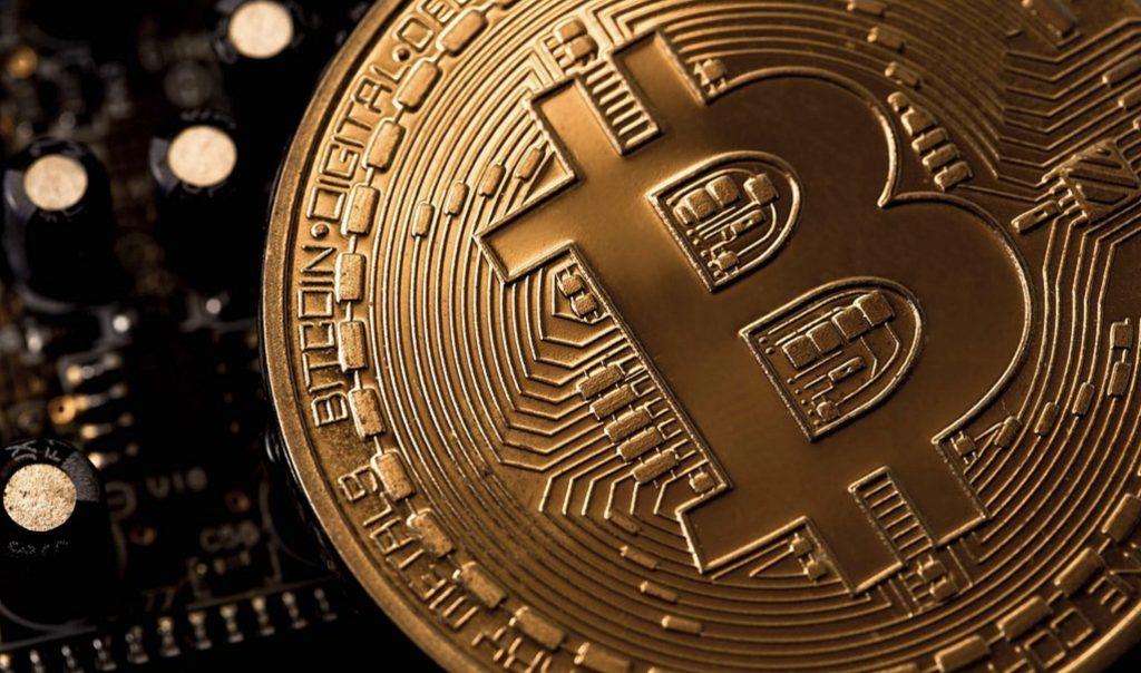 Илон Маск все еще надеется на транзакции Tesla Bitcoin