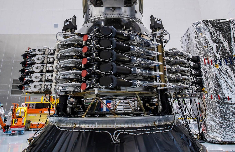 SpaceX добавляет партию полярных спутников Starlink к запуску райдшеринга